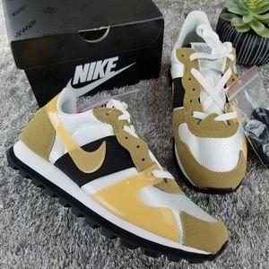Nike V Love O.X.